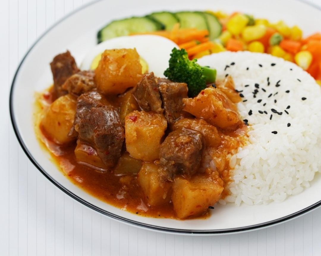 土豆牛肉饭饭塑料餐盒装1份 -套餐盒饭/盖浇饭